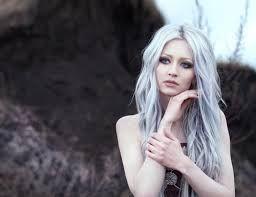 pelo blanco teñido - Buscar con Google