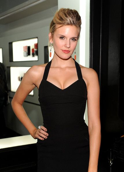 Luxurious glitter and glamour Maggie Grace