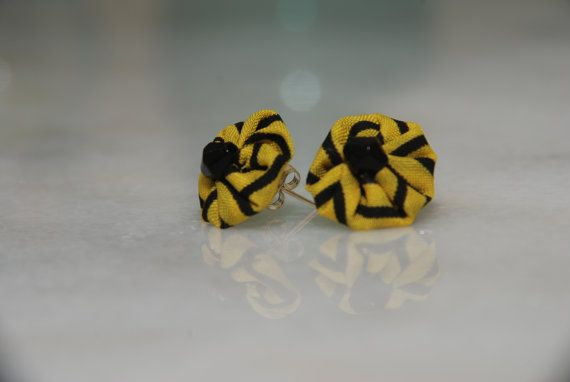 Bee stripped round flower silver stud earrings Check out this item in my Etsy shop https://www.etsy.com/listing/465702481/stripped-black-and-yellow-stud-flower