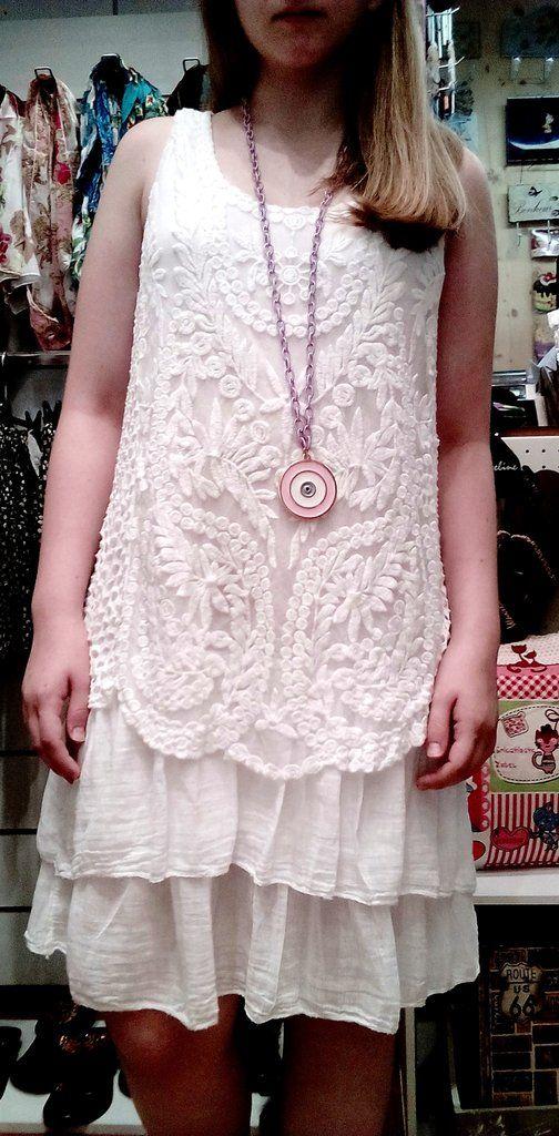 Λευκό φόρεμα δαντέλα
