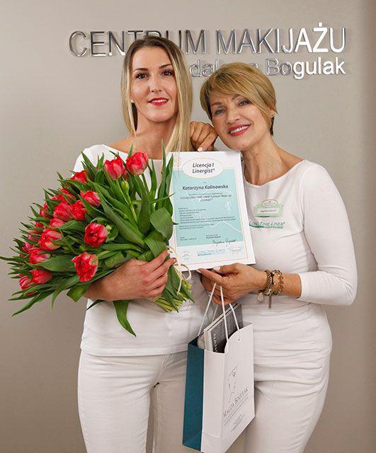 Katarzyna Kalinowska odbiera swój dyplom Licencja I. Gratulacje!