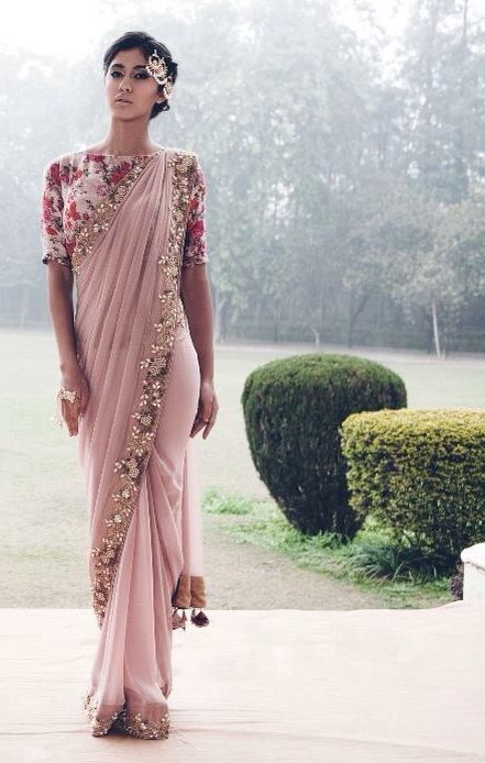Tonal champagne pink and floral border...this is just classy! And oh for the floral mid-sleeve blouse. | weddingz.in | India's Largest Wedding company | Indian Wedding Wear Saree Inspiration |