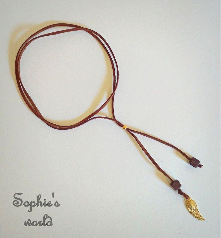 Τσόκερ κολιέ διπλό σουέτ καφέ, με επίχρυσο φτερό  #choker #necklace #greekhandmade #suede #handmade #feather #brown #fashion #accessories  https://www.facebook.com/SophiesworldHandmade/