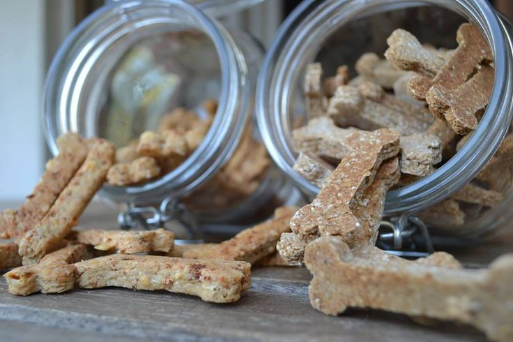 Natural dog treats / Handmade with the finest Greek ingredients. Banana - Cinnamon - Thyme honey  Ingredients: organic oat flour, organic brown rice flour, banana, cinnamon, thyme honey, oat flakes, organic oat bran, extra virgin olive oil, free range chicken eggs. #treats #dogfood