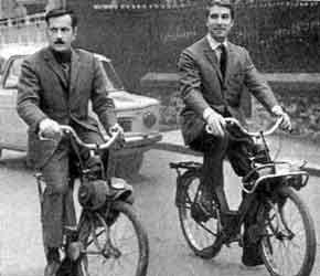 Michel Serrault et Jean Poiret en solex 3300