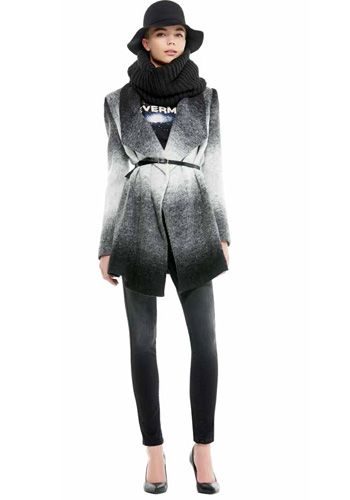 Cappotto dalla tonalità sfumata. Portatelo con una cintura, per evidenziare il punto vita (Kocca)- AI 2014-2015
