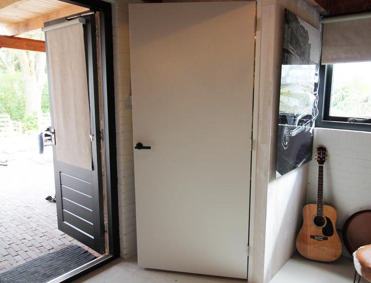 Kant-en-klaar: deur met kozijn - Eigen Huis en Tuin