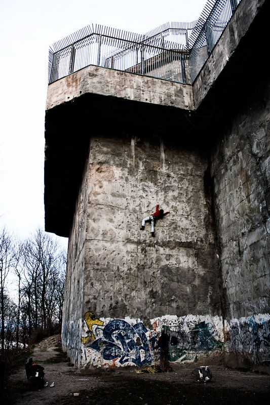 The #Humboldthain Bunker in #Berlin is now an official #climbing venue with fixed equipment. It was built in 1942.