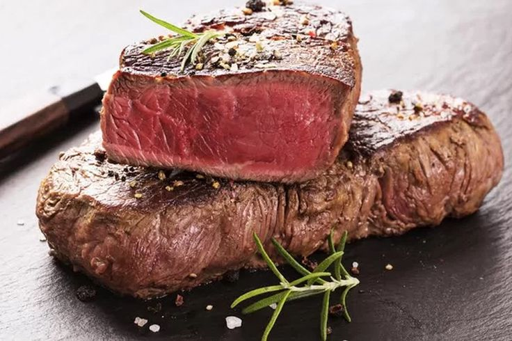 Hovädzinka z krásneho hotela Kukučka ****  mmm a s výhľadom na Lomnický štít #steak #lomnickystit #tatras #highttatras #slovakia tasty https://www.zlavomat.sk/zlava/557813-hovadzi-steak-s-prilohou-v-hoteli-kukucka