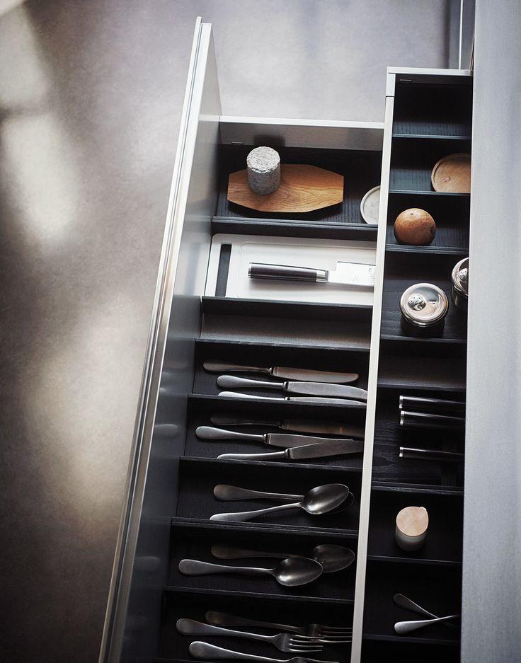 Fitted kitchen with island MAXIMA 2.2 - COMPOSITION 2 by Cesar Arredamenti design Gian Vittorio Plazzogna