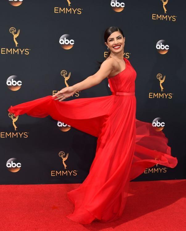 Priyanka Chopra looks ethereal at the Emmys 2016 Red Carpet! | PINKVILLA