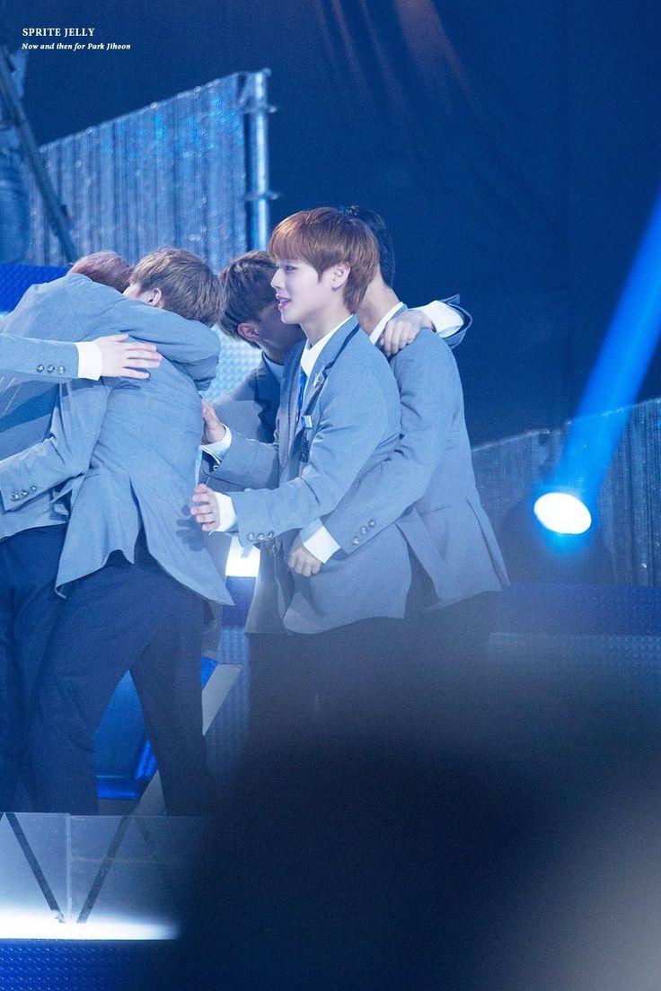 Bae JinYoung, Lee DaeHwi, Park JiHoon cr : twitter #Bae JinYoung #Produce101 #Season2 #101Boys #WannaOne #Wannable #DeepDark #YesGood #FinalStage #NationalPlayer