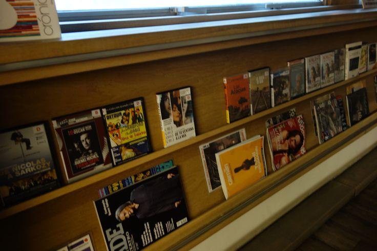 Expositor de novedades de la Sección Música y Cine, 3ª planta