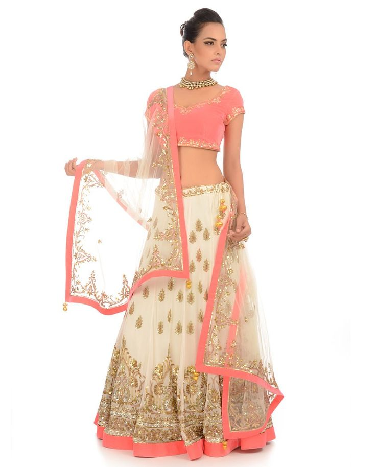 White Lengha Set with Embellished Motif | Exclusively.in