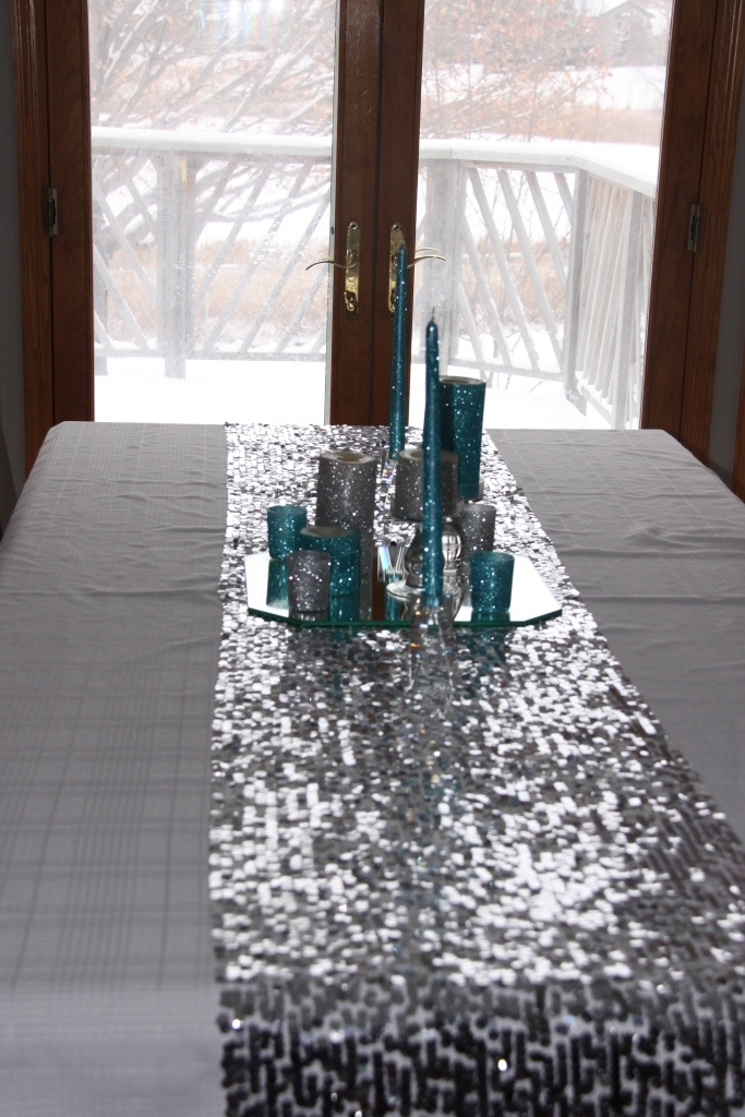 Christmas Sequin Table Runner DIY With Glitter Candles
