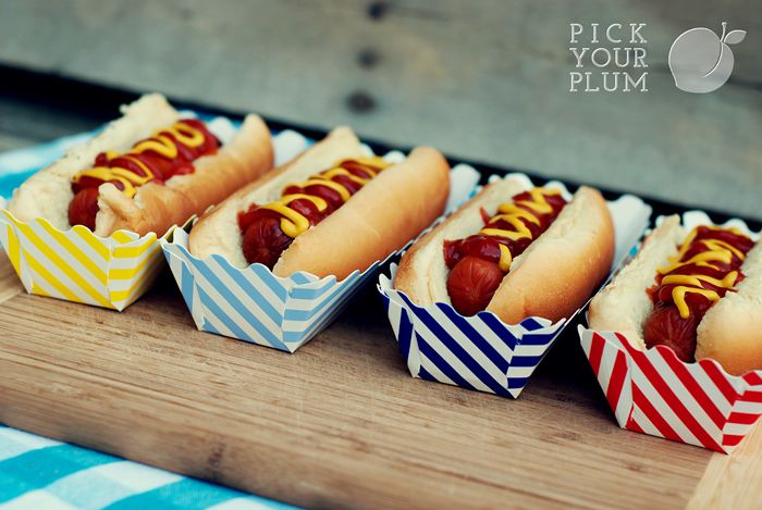 Hot Dog boxes...these are awesome! So fun for a summer BBQ.  #hotdogboxes #bbqboxes