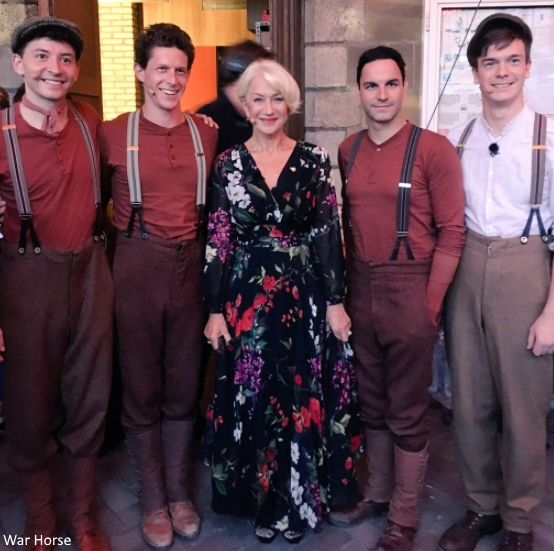 Highlights of the evening included performances by Dame Helen Mirren, the cast of The Wipers Times introduced by Ian Hislop, a tri-service orchestra and the voices of the National Youth Choir of Scotland.