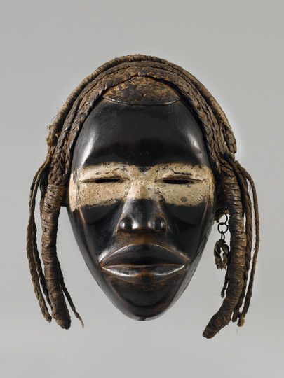 DAN MASK Ivory Coast. H 22 cm. Provenance: Belgian private collection. Swiss private collection.