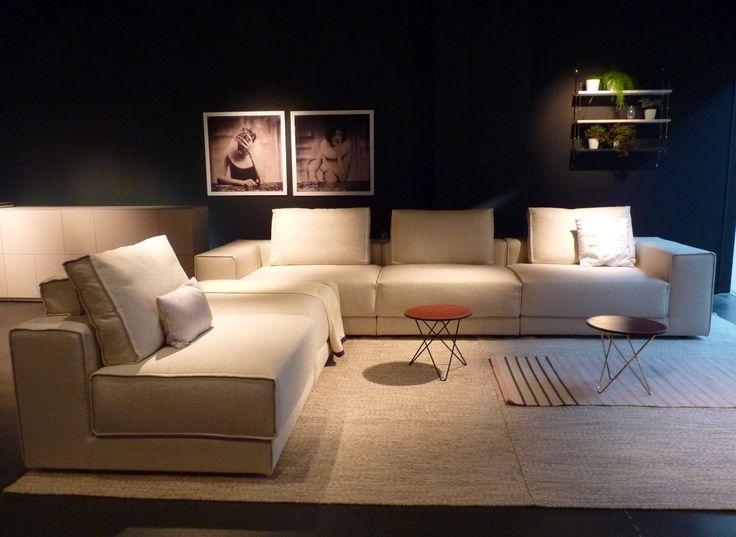 elementen bank Danca in combinatie met karpet van Fabula Living en bijzettafeltjes van OX-DENMARQ