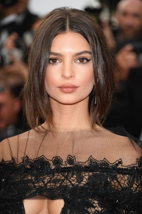 Amazing beauty looks you need to see from Cannes 2017: Emily Ratajkowski (Slide 3)