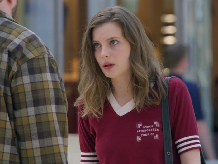 "In appreciation of Mickey's outfits from ""Love"" Season 2, here's how you can copy her laid-back style"