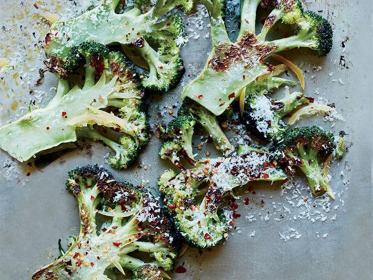 För dig som gärna vill få i dig extra näring, tänker på vikten eller helt enkelt bara vill testa något nytt är rostad broccoli ett utmärkt val av snacks.