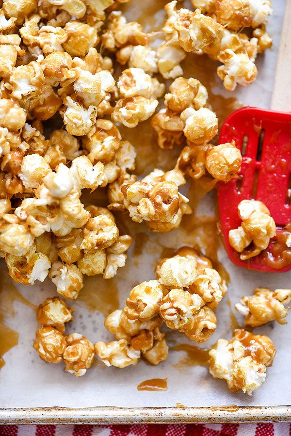 The Best Chewy Caramel Corn! (Recipe)