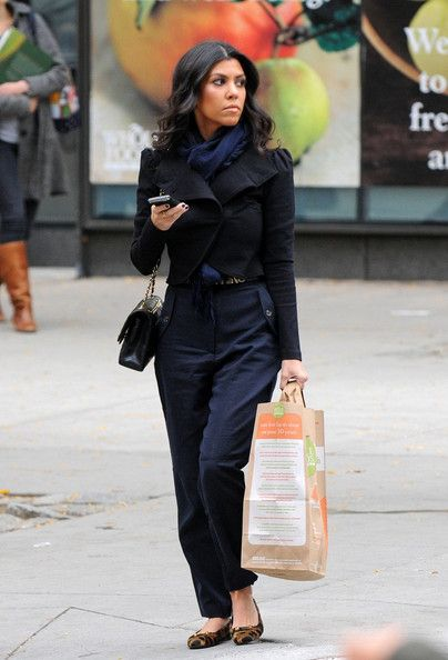 Kourtney Kardashian - Love the look!