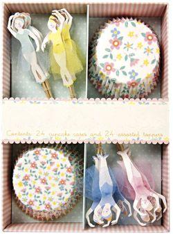 Kit cupcakes thème Espace Cirque Pirates Danseuses Rétro caissettes et toppers