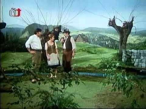 Krkonošské pohádky je český seriál o bájném vládci Krakonošovi,natočený režisérkou Věrou Jordánovou na podzim 1974. Chamtivý a zlý Trautenberk se pokusí získat od svého velkého a mocného souseda Krakonoše nějaké výhody.Za to je Krakonošem vytrestán.Do svých plánů Trautenberk obvykle zapojí i své sloužící, kteří jen neradi plní jeho příkazy a proto je rozvážný a spravedlivý Krakonoš netrestá.O Trautenberkových plánech Krakonošovi donáší jeho sojka.