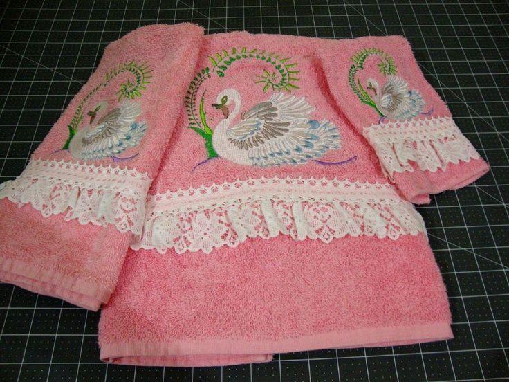 NEW 3 Piece Towel Set Pink/Embroidered Swans 1 Bath Towel, Hand Towel,  Washcloth
