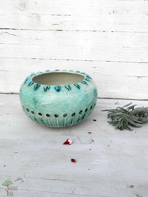 Scultura naturale in ceramica verde acqua porta di KairosLab