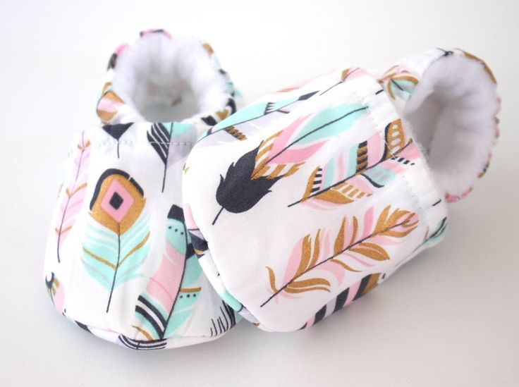 WillowWisp white baby shoes, baby shoes girl, soft sole, baby booties, baby moccs, baby girl shoes, metallic gold feathers print, newborn by ElleBelleBliss on Etsy https://www.etsy.com/au/listing/509427388/willowwisp-white-baby-shoes-baby-shoes
