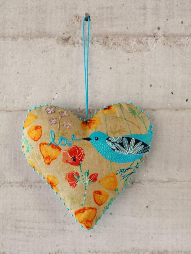 love the colours: Stuffed Heart, Nice Heart, Art Blog, Valentines Heart, Fabrics Heart, Heart Art, Heart Afir, Geninn Zlatka, Fiber Art