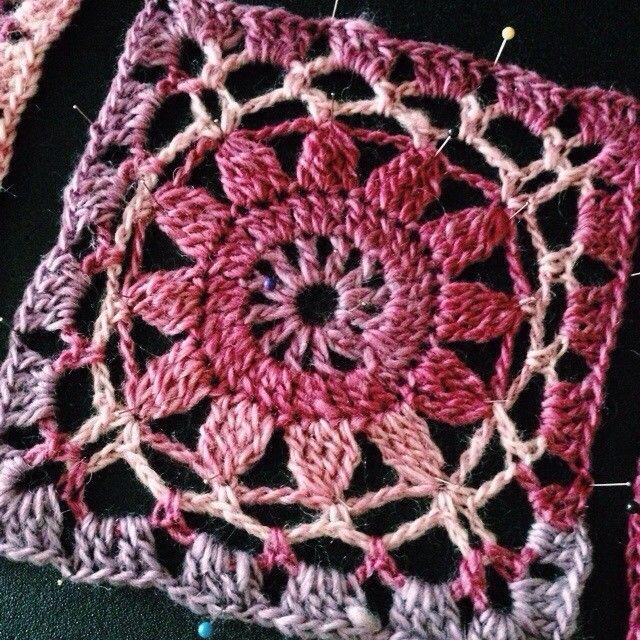 Virkad ruta i Drops Big Delight - Swedish website crochet pattern with diagram.