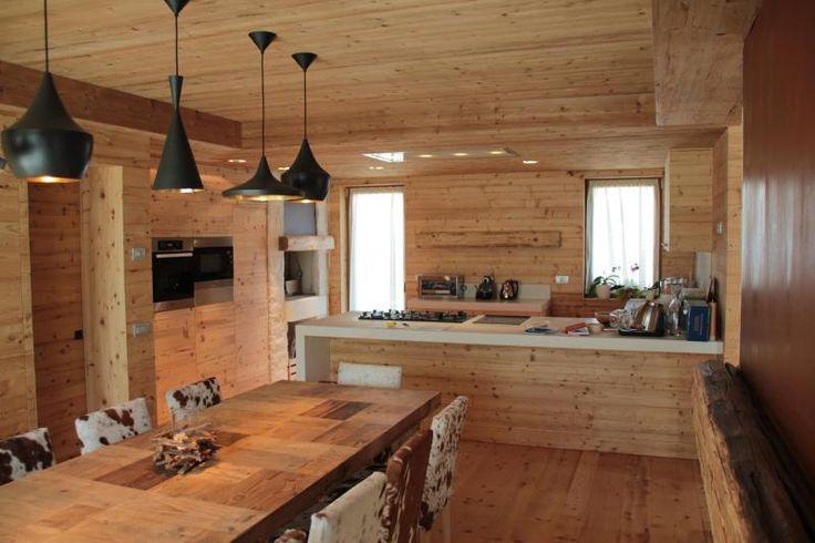 17 migliori idee su case di montagna su pinterest cabine di montagna case rustiche e baite e - Cucine da montagna ...