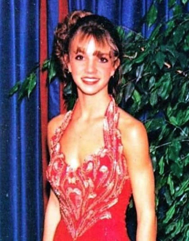 TOP 10 Celebrity Prom photos > Britney Spears