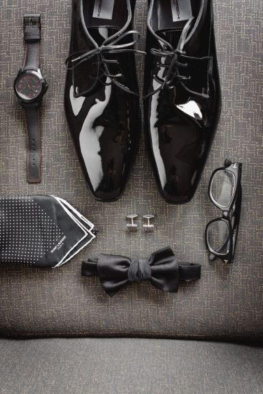 Grooms details #flat lay