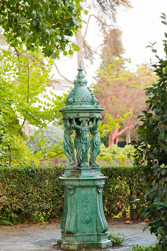 Jardin des plantes | Wallace fountain | Elsbro | Flickr