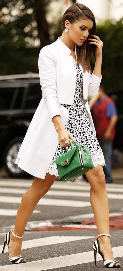 Camila Coelho Black And White Chic Fall Streetstyle Inspo #Fashionistas