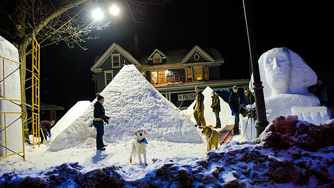 Five Spectacular Ice and Snow Sculpture Exhibits Around the World (Michigan Technology University's Winter Carnival)
