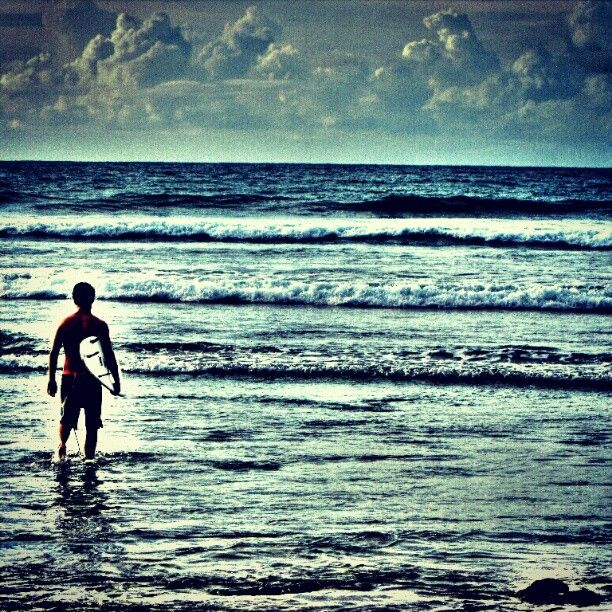 Waiting for the waves Photo by banyubiru_