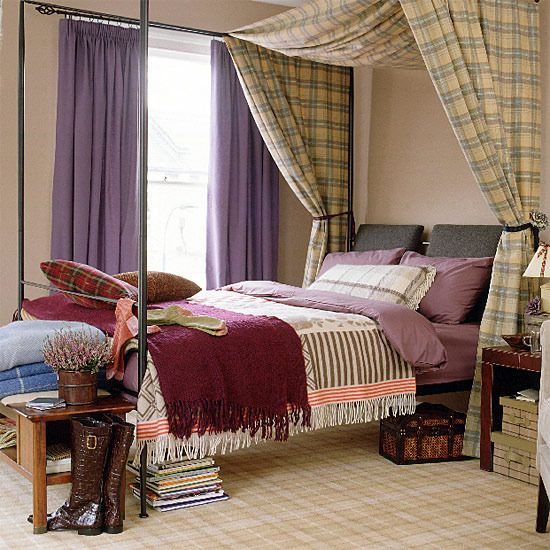 I am in love with this room! The tartan carpet, the heather bedding! LOVE. With some cornflower sheets, this would be perfect!