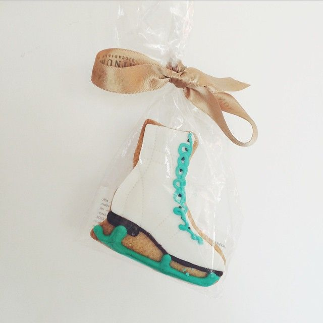 Ice skating biscuit