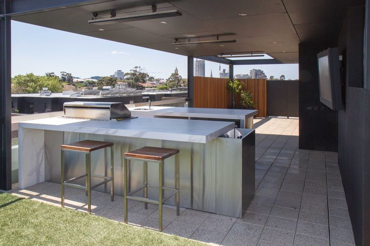 Rooftop Terrace With Teppanyaki Bar In Melbourneu0027s St Kilda Offers Some Of  The Best Views Around Idea