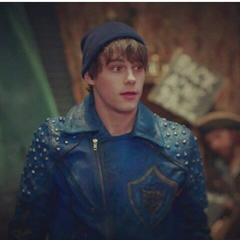 Mitchell Hope as King Ben he does not fit to be a villain at all