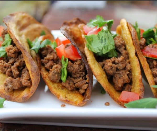 Crispy Paleo Taco Shells with just a few simple ingredients. Tasty and Yummy! http://stalkerville.net/ #paleo #glutenfree