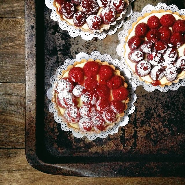 Tarte framboise (Raspberry Tartlets) - a classic and timeless French favorite.