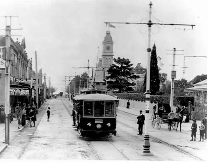 Electric tram heading north up Glenferrie Road, 31 May 1910.