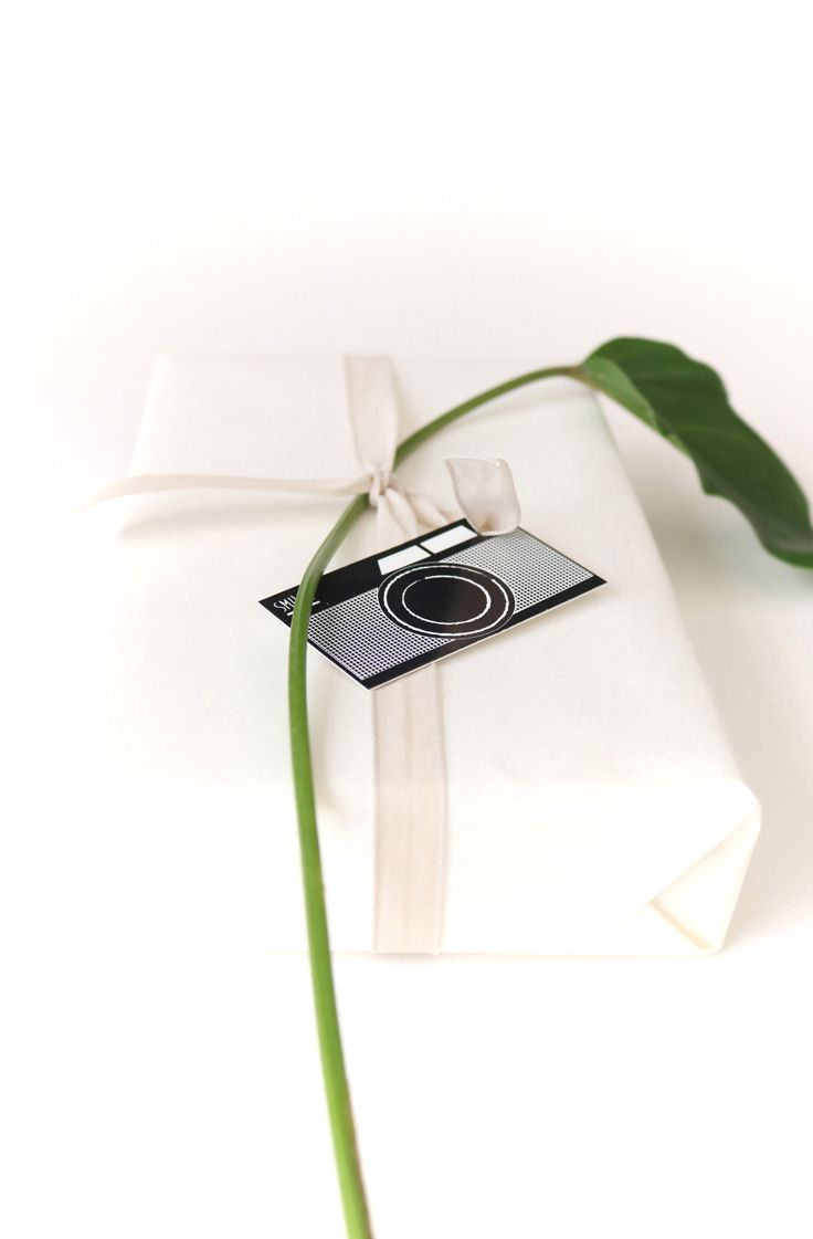 10 mini vintage camera gift tags (€ 4.00). Gift decoration | party give away | mini party invitations | save-the-date-cards for your wedding